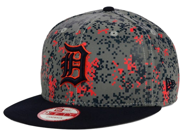Detroit Tigers New Era MLB DC Team Reflective 9FIFTY Snapback Cap.