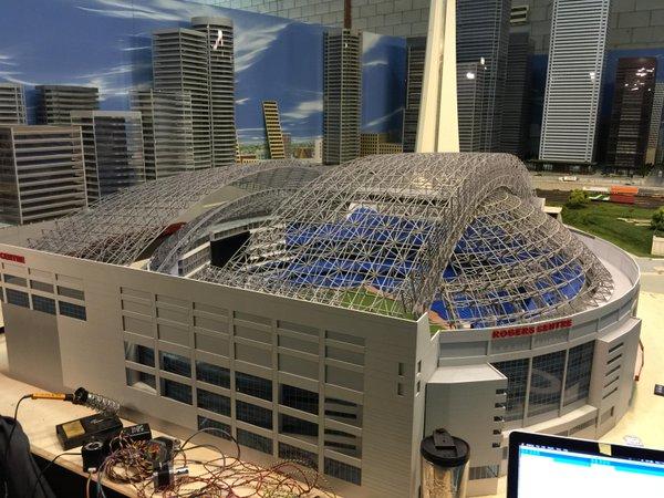 Rogers Centre Major League Baseball S First Retractable