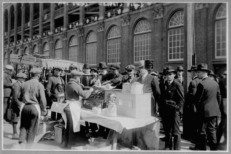 Ebbets Field 1920-Wikimedia Commons (Commons.wikimedia.org)